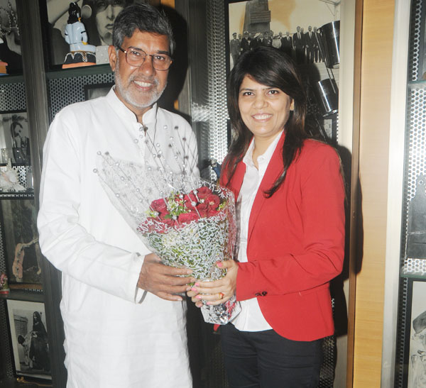 Nobel laureate Kailash Satyarthi Met Dr Sunita Dube, supports Save the Girl Child' Campaign of MedScapeIndia…!!